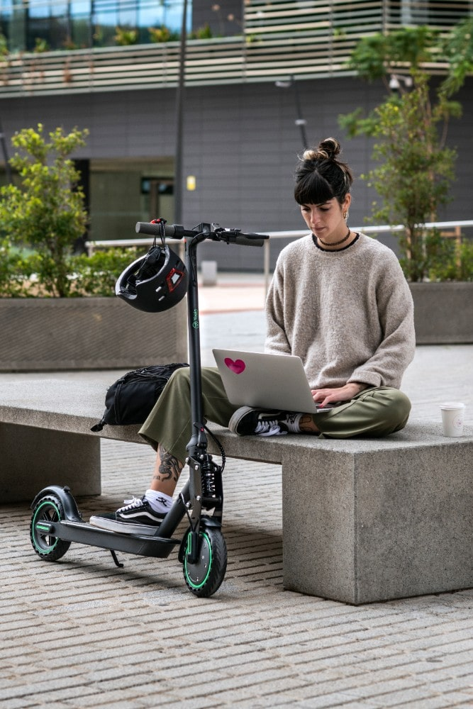 Patinete Youin You-Go L. Con este patinete eléctrico podrás surfear la ciudad sin problemas.
