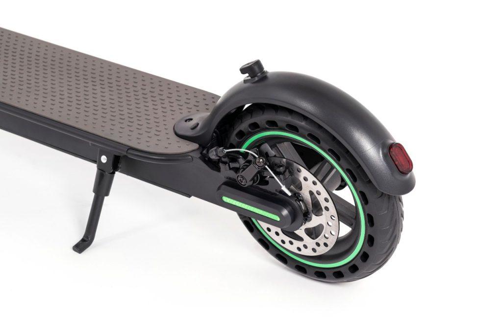 ¿Cómo funciona un patinete electrónico? Las ruedas del You-Go L son tubeless.