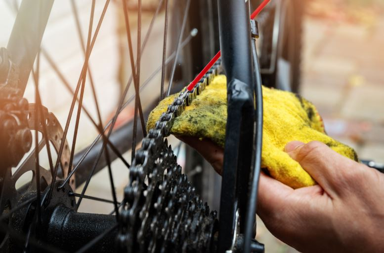 cómo limpiar una bicicleta eléctrica